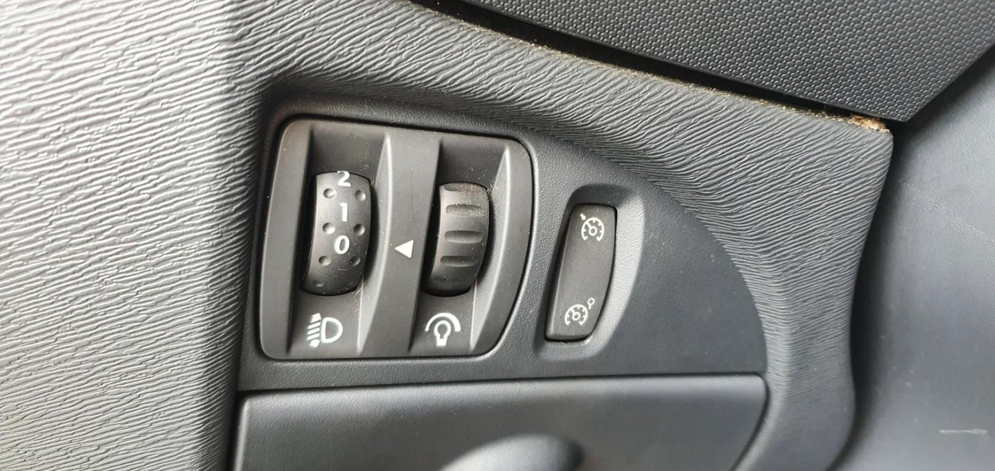 Renault-Twingo-12