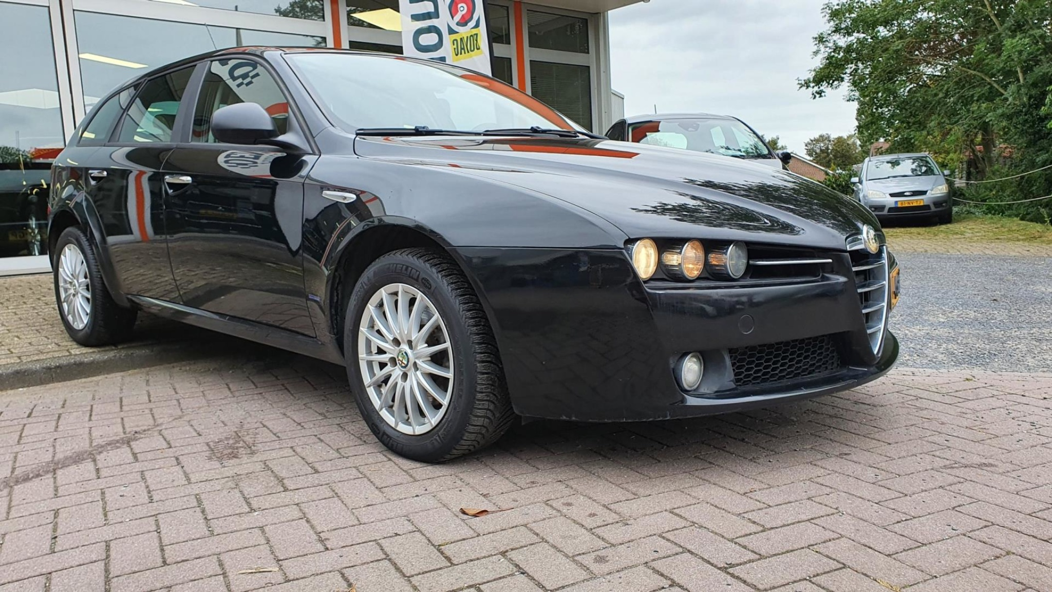 Alfa Romeo-159-2