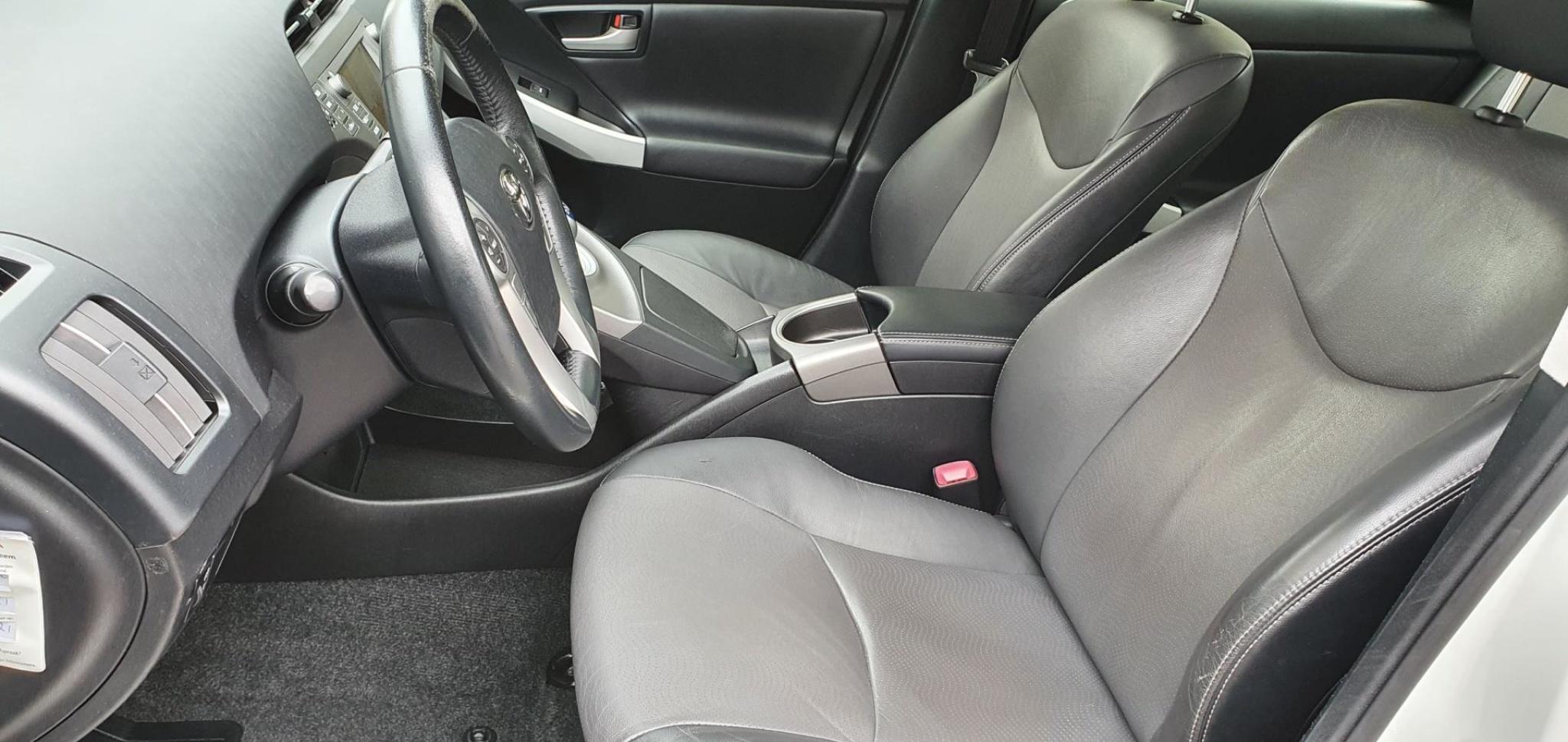 Toyota-Prius-26
