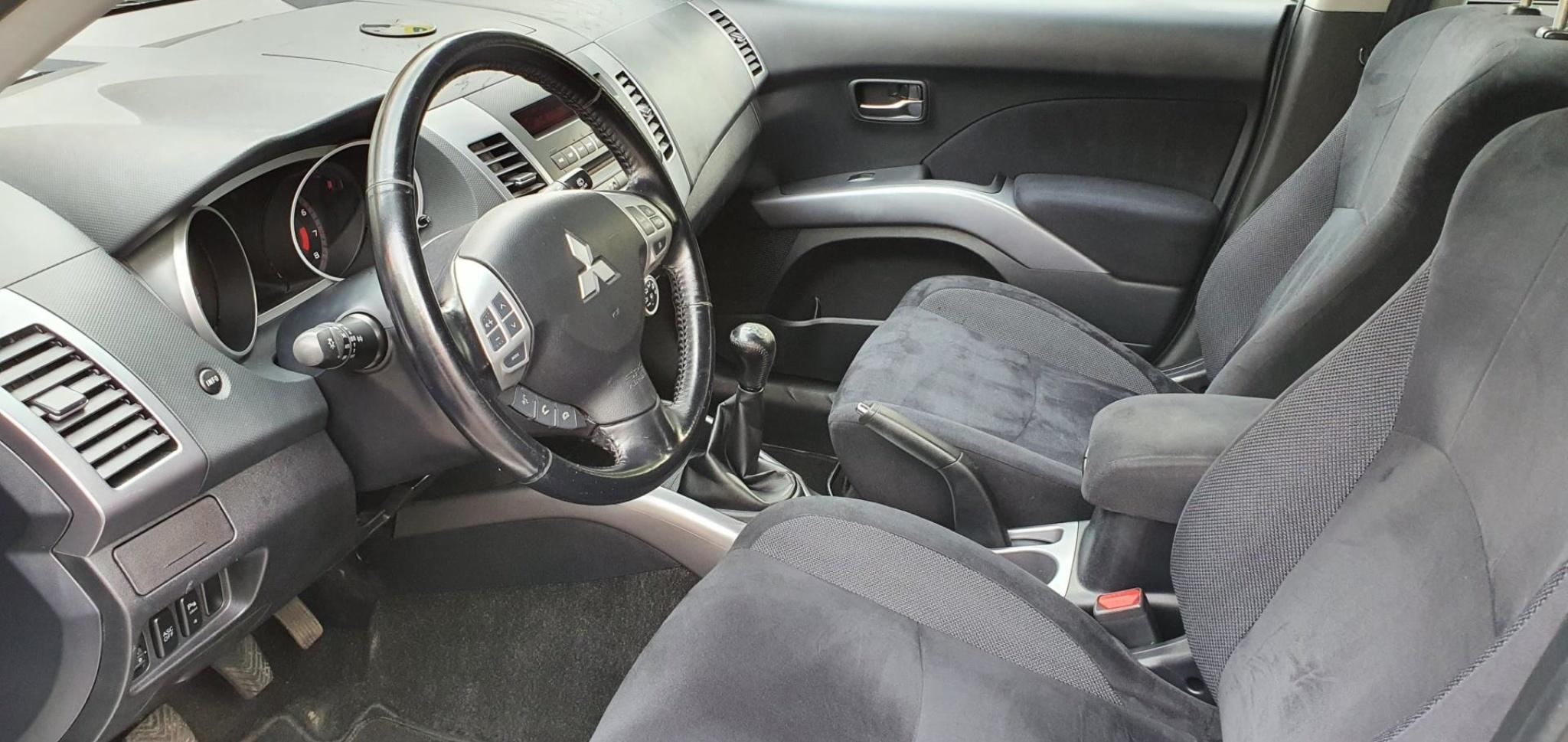 Mitsubishi-Outlander-8