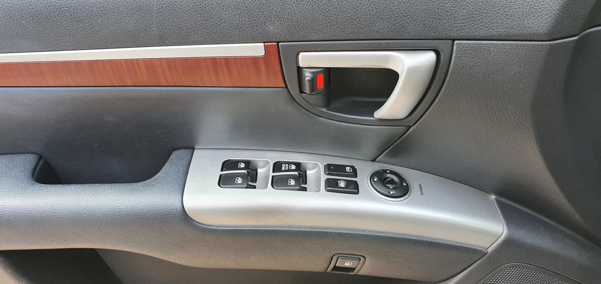 Hyundai-Santa Fe-7