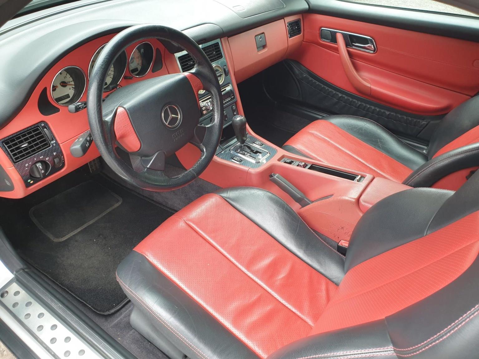 Mercedes-Benz-SLK-2