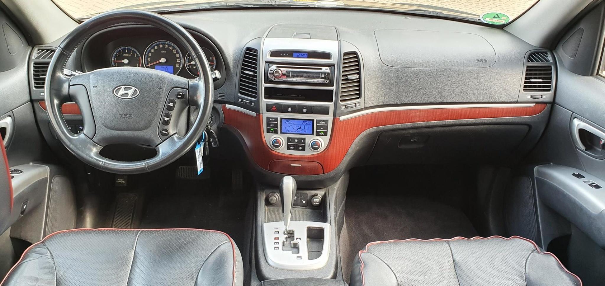 Hyundai-Santa Fe-6